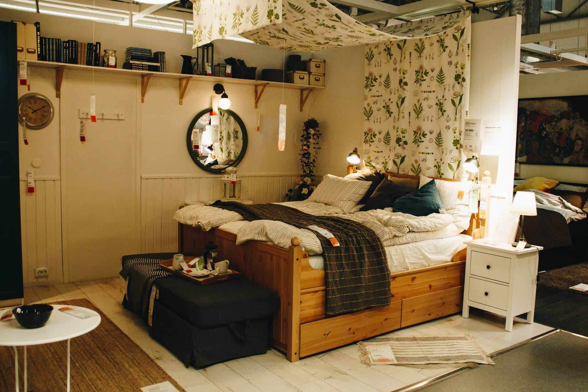 Essential Tips To Organizing Your Bedroom